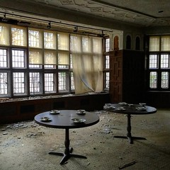 A dinner of years past, lives remembered ghosts still wonder the halls of this hauntingly beautiful asylum... #urbandecay #urbanromantix #urbex #windows #dramatic #light #ghost #ghostfollowers #dinner #history #scary