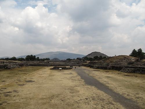 Teotihuacan: la Chaussée des Morts et ses deux grandes pyramides