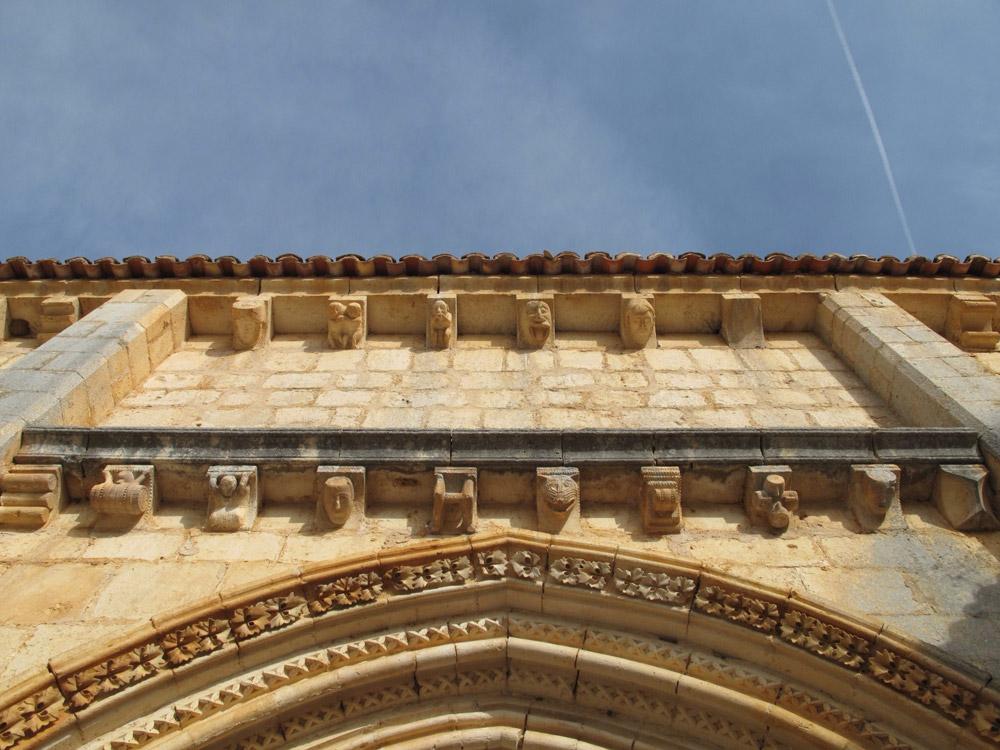 ermita san bartolomé_arquivoltas_siglo XIII
