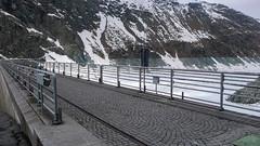 Zapora na jeziorze Lago di Gera