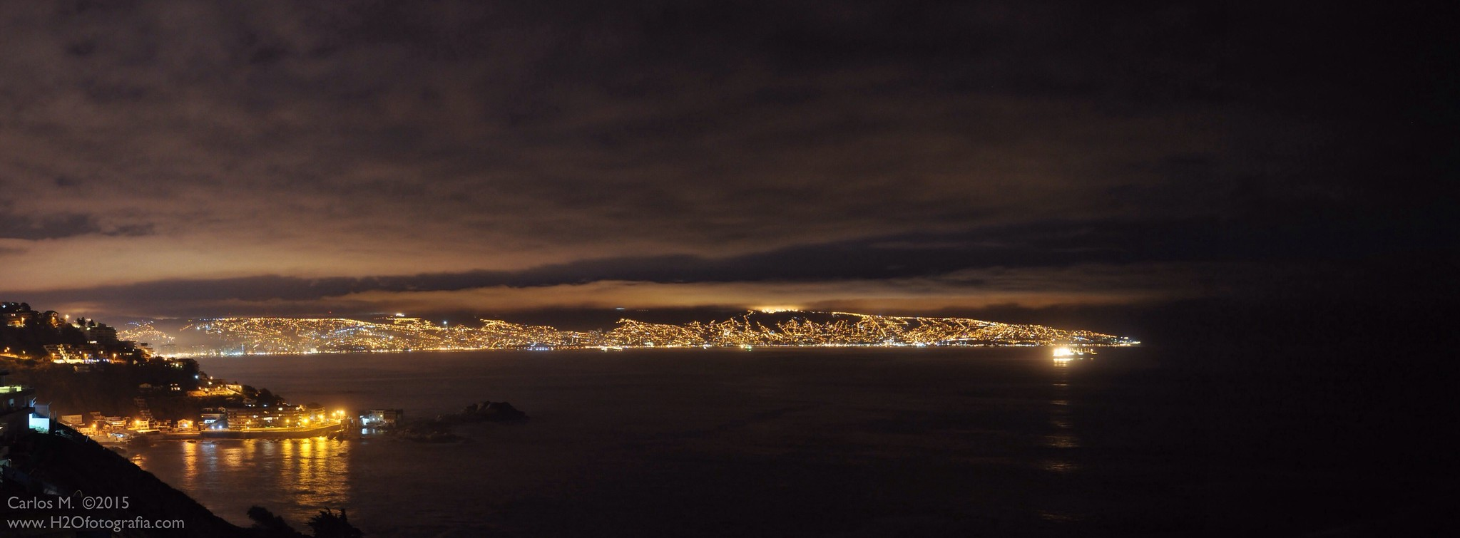 Nightview of Valparaiso