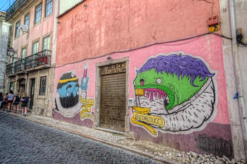 Graffiti in Bairro Alto