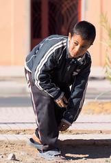 Maroc,Zagora.Enfants jouants