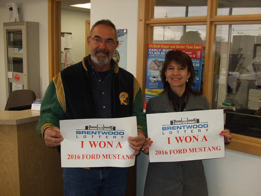 Winners of the Ford Mustang: Dale Richardson & Cathy Nicholls