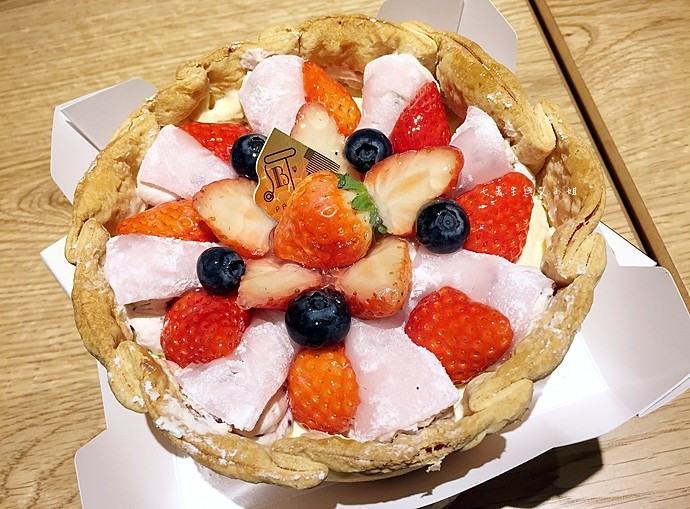 16 PABLO 東京表參道 草莓大福起司塔 迷你起司塔