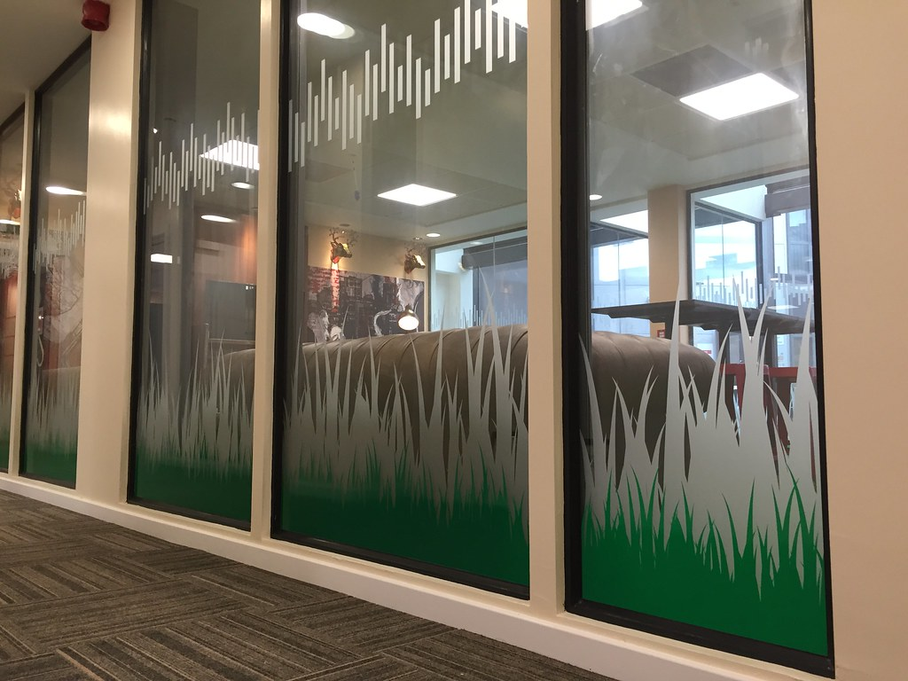 Window Vinyl, digitally printed and contour cut