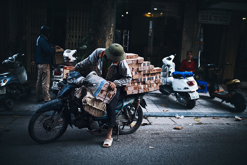 street travel urban person asia southeastasia transport streetphotography streetlife vietnam motorbike transportation traveling hanoi travelphotography streetcandid sigma35mm canon6d desomnis