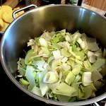 Lauch schneiden - vegetarischer Borschtsch