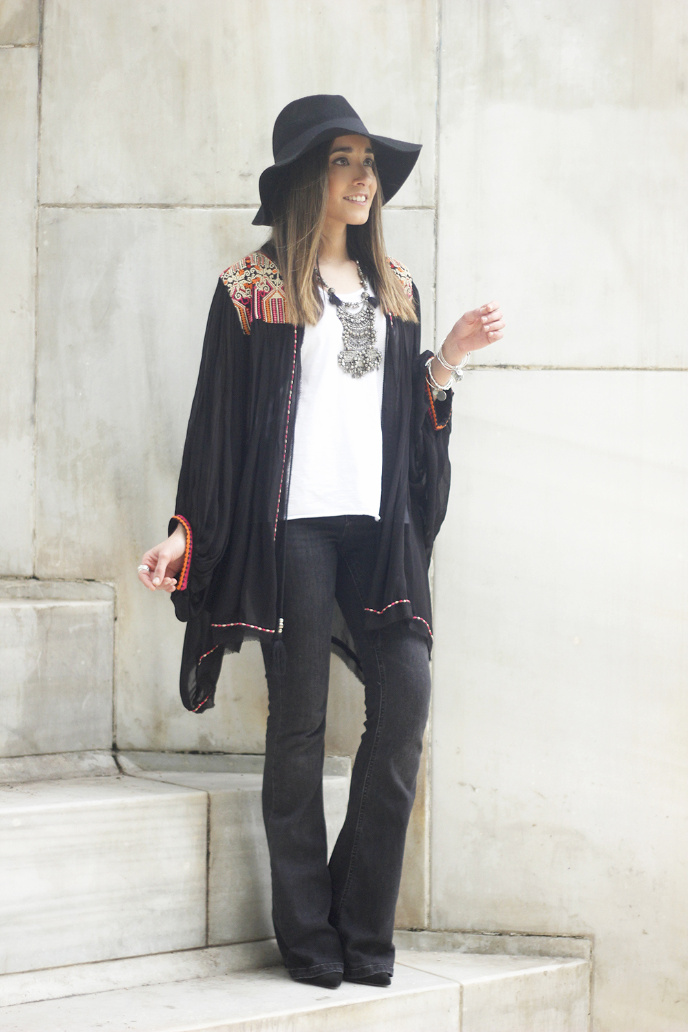 embroidered kimono flared jeans Hat Heels outfit style19