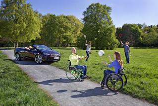 Sicher auf Tour mit Opel-Fahrhilfen im Cascada