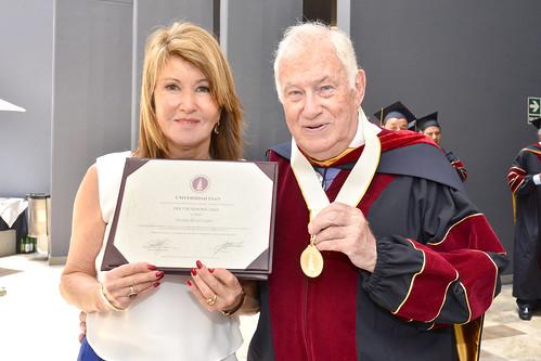 "ESAN otorga el grado ""Doctor Honoris Causa"" al Dr. Eduard Bonet Guinó, profesor emérito de ESADE, España"