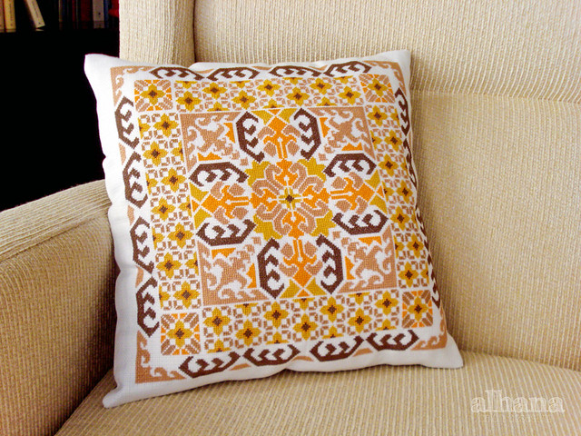 Moroccan cushion - finished!