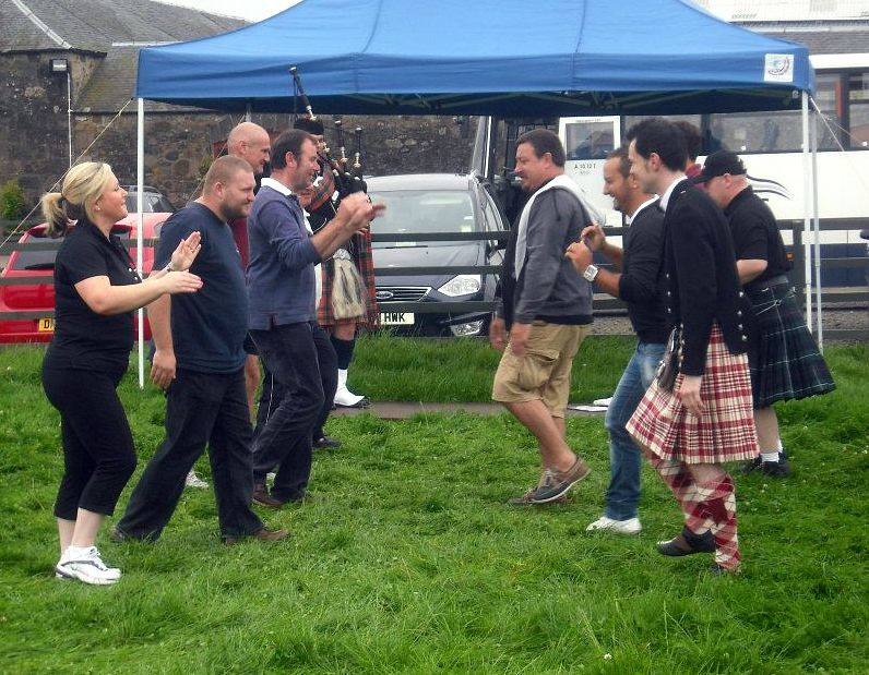 Mini highland games edinburgh stag do ideas activities click on images to view gallery solutioingenieria Gallery