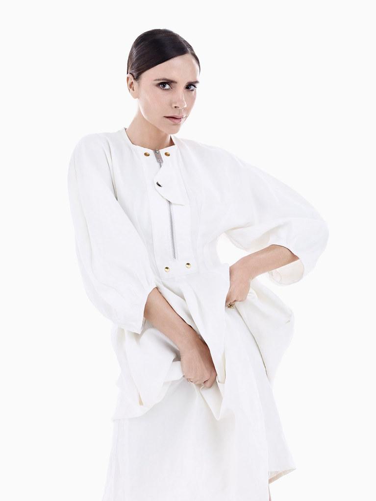 Виктория Бекхэм — Фотосессия для «Vogue» CH 2016 – 11