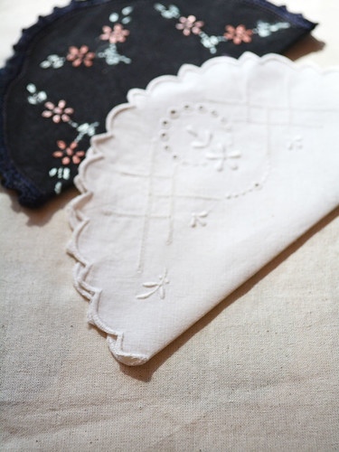 Bunting_Vintage_Doilies (2)