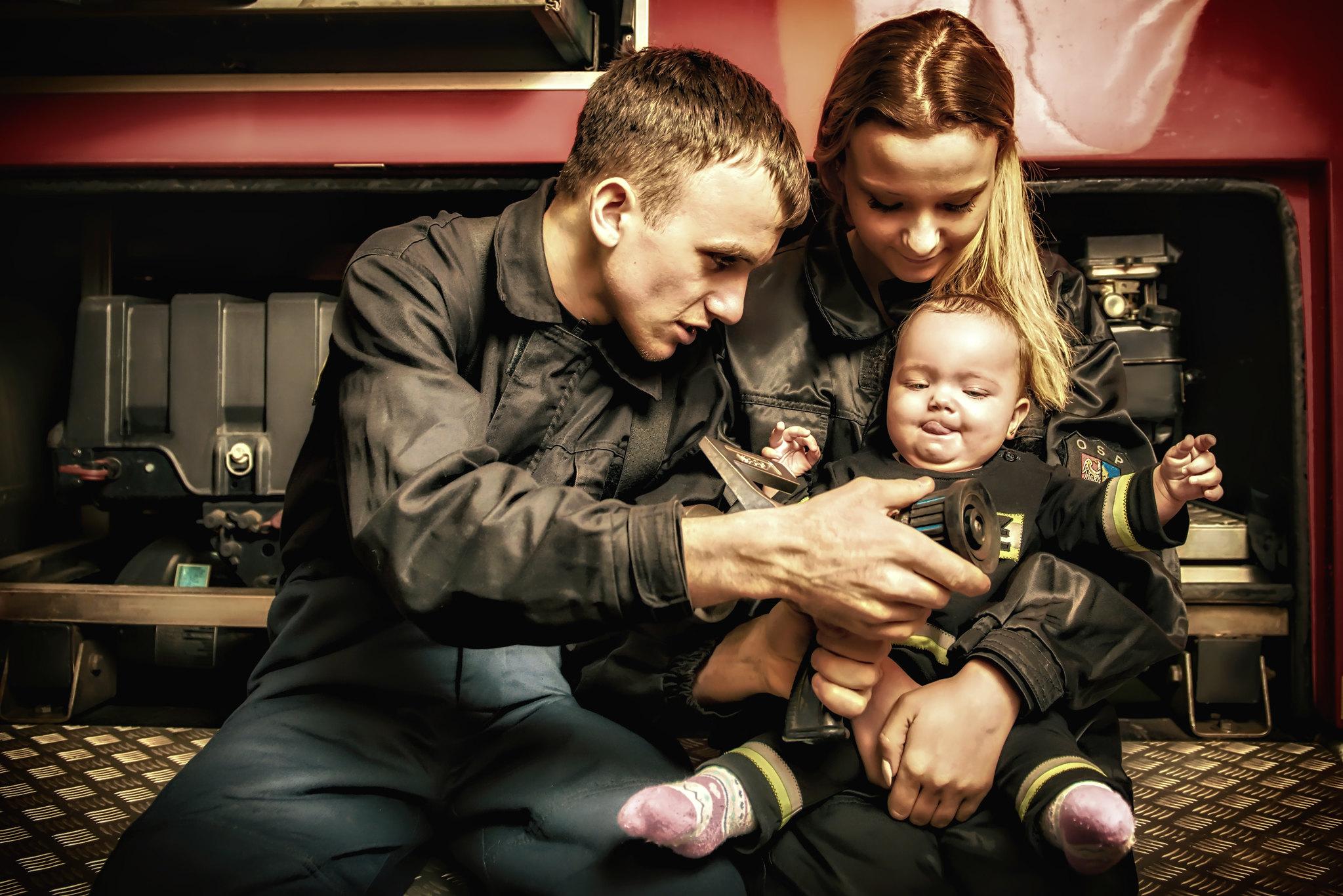 Sesja rodzinna po strażacku.