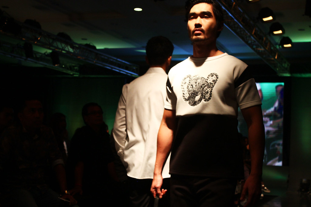Menswear Fashion Sow - Indonesia Fashion Week 2016 (11)