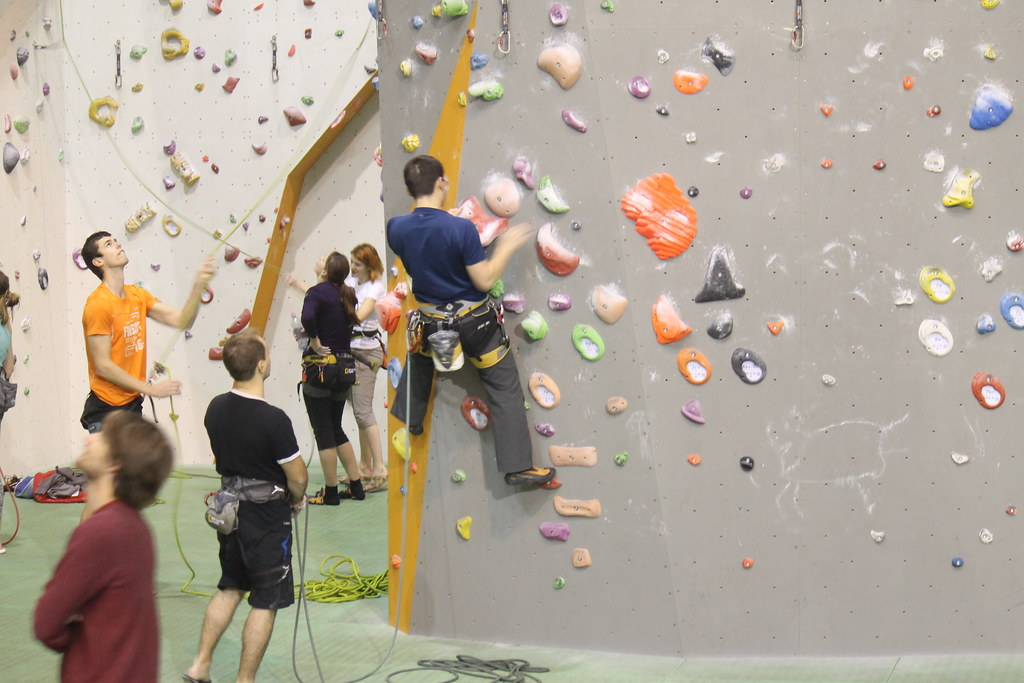 Attempting the red 6a overhang. Lead climbing, no sitting.