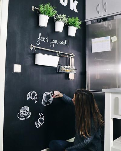 05-diy-decoracion-cocina-pared-pizarra