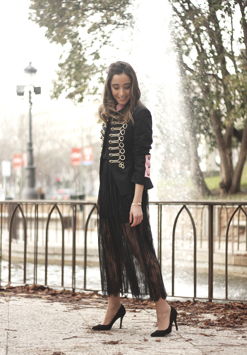 Lace skirt black jacket extreme collection black heels outfit01