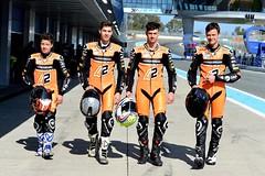 Макар Юрченко выступает в команде Алекса Ринса в мировом чемпионате FIM Junior Moto3