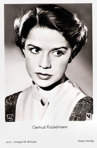 Gertrud Kückelmann in Der Engel mit dem Flammenschwert (1954)