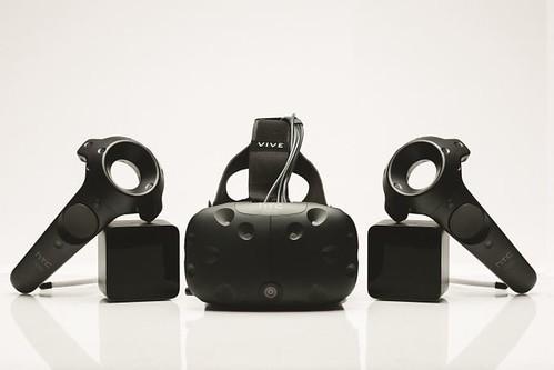 HTC Vive تتوفر في مجموعة من المتاجر البريطانية للتجربة