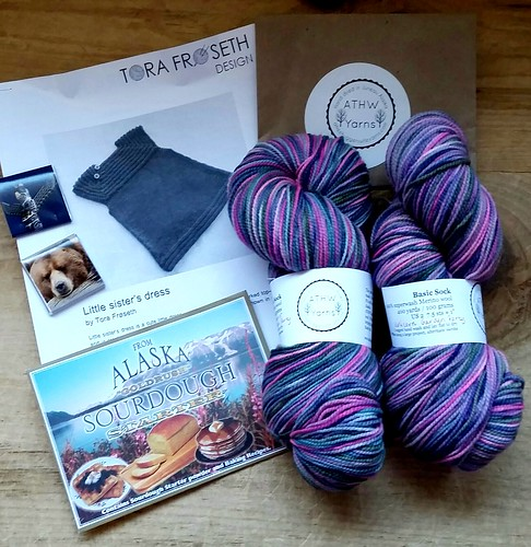 April #YarnClub kit from A Tree Hugger's Wife Yarns #yarn #DogMomsWhoKnit #handdyedyarn #Alaska #MadeinUSA #LapdogCreations ©LapdogCreations
