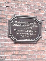 Photo of Constance Markievicz bronze plaque