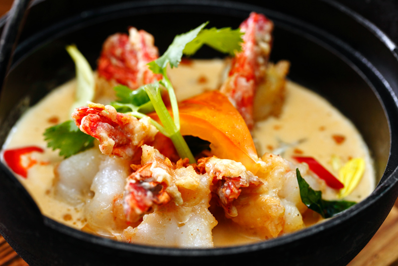 Creamy Butter Prawns with Steamed Buns