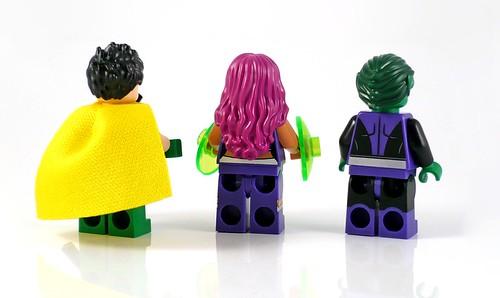 LEGO DC Superheroes 76035 Jokerland figures 07