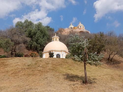 Cholula - kerk en kapel op piramide