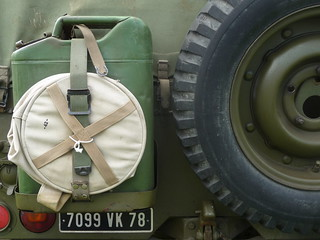 Jerrycan and spare tyre