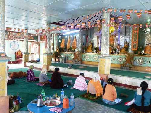 M16-Hsipaw-Temple-Bouddha debout (7)