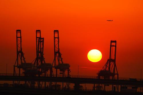 yokohamabaybridge baybridge 港の見える丘公園 yokohama highway harborviewparkminatonomieruokakoen sal70300g sky sony airplain ilce7m2 sunrisegantrycranes