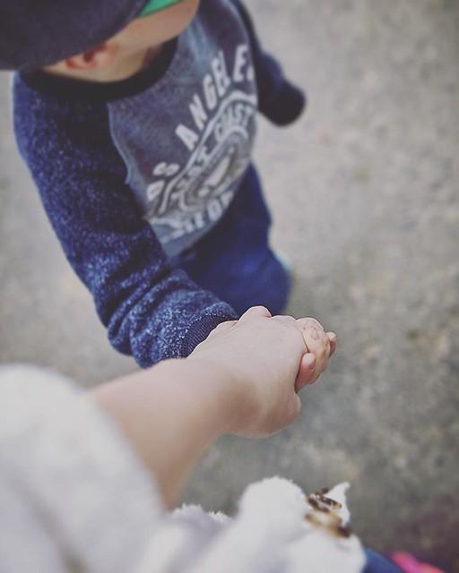 Uwielbiam to w Janku, że nadal lubi chodzić ze mną za rękę ♥