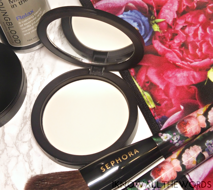 Youngblood Pressed Mineral Rice Setting Powder in Light