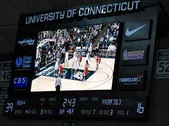 uconn scoreboard