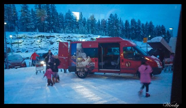 Laponia viaje Helsinki Rovaniemi - Microbús al hotel de Papa Noel