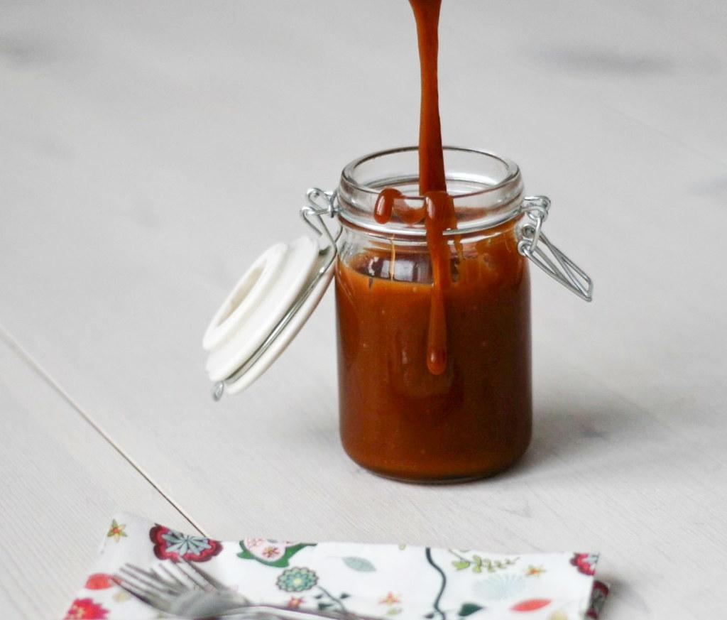 Opskrift på hjemmelavet karamelsauce med havsalt