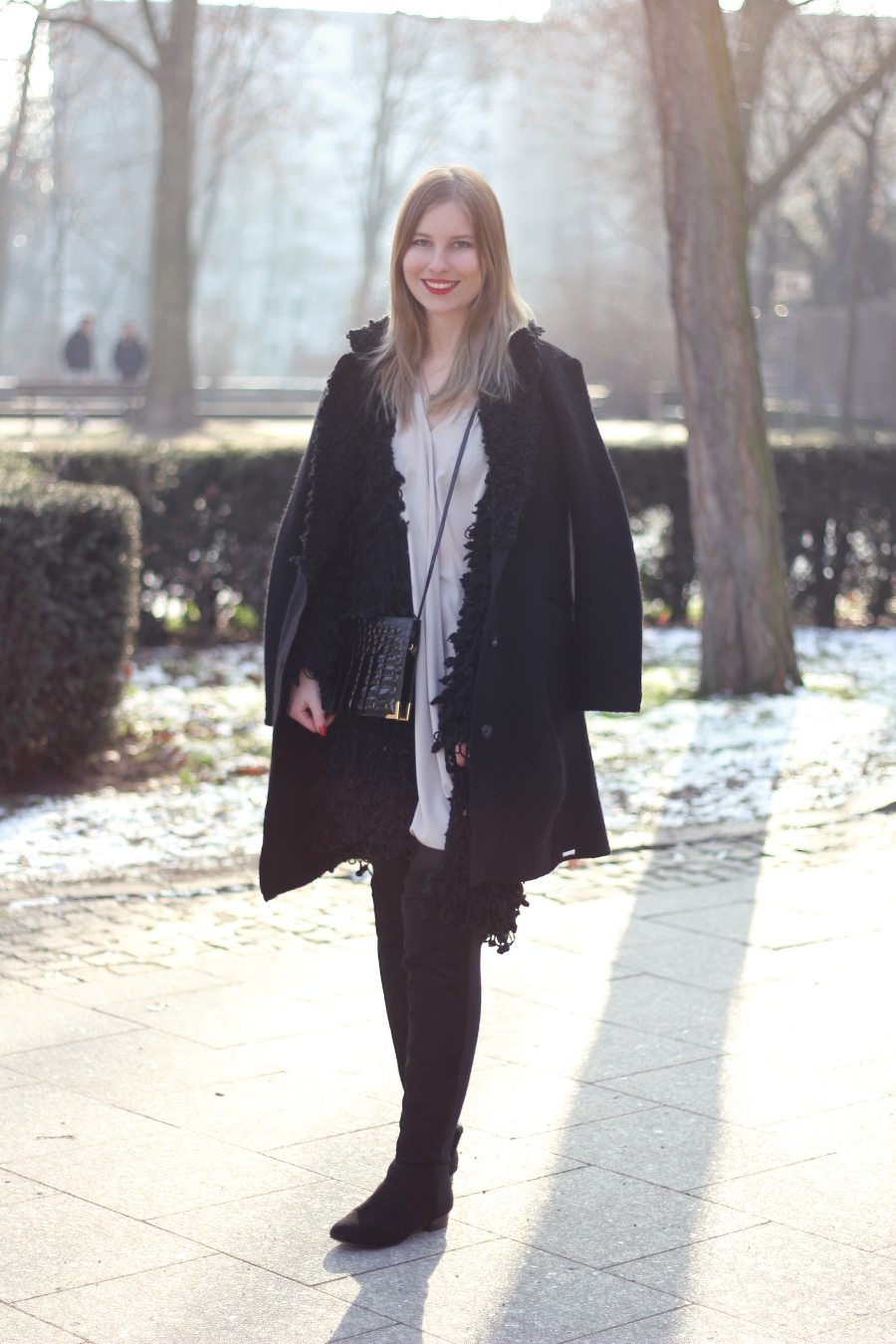 outfit frankfurt fashion zara new look diesel mantel blogger black winter