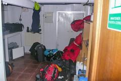 Nocleg w piwnicy na stacji Escudero