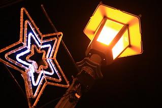 街灯に星のイルミネーション