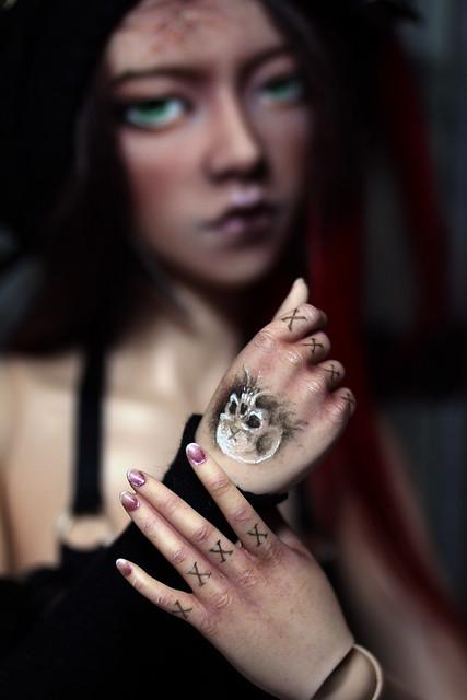 Skadi manicure