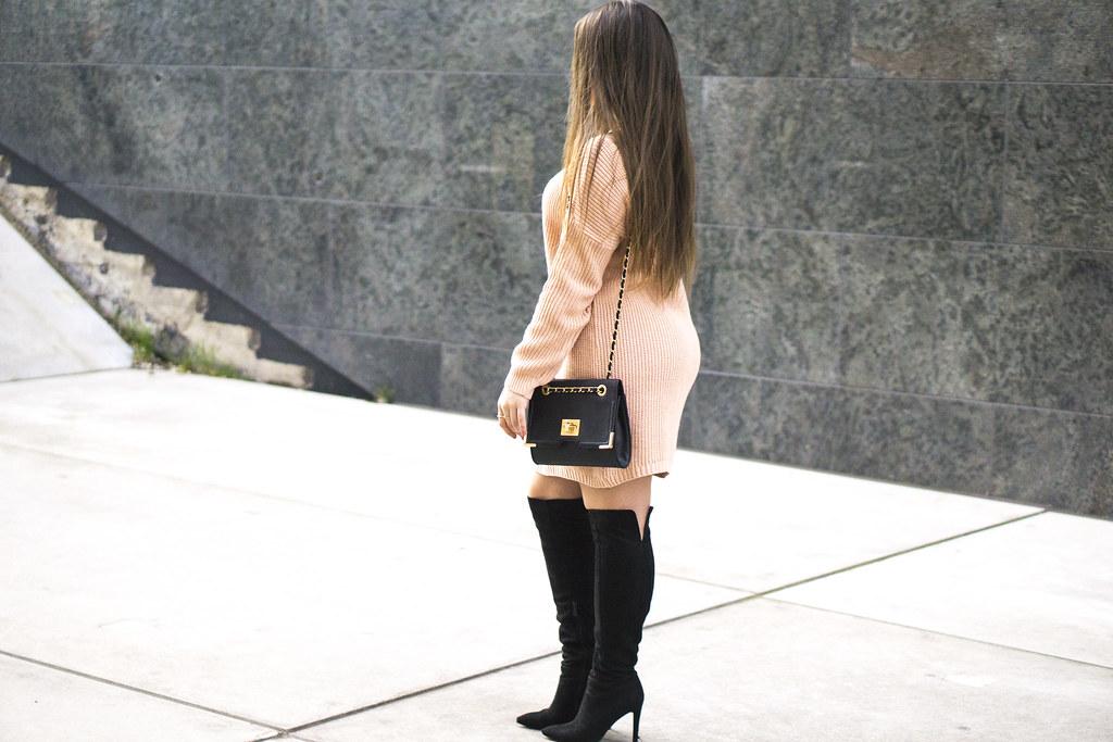 pinkoversizedoutfit
