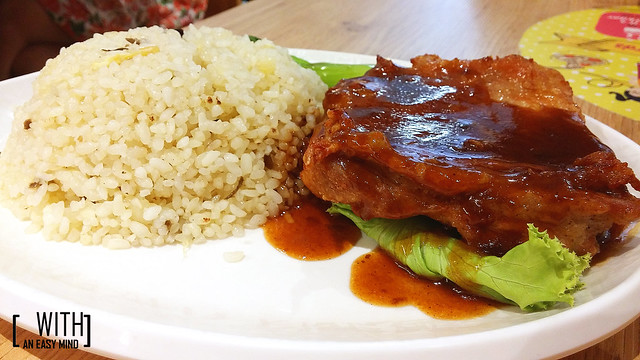 Xin Wang Hong Kong Cafe - Yau Ma Tei Specialty Chicken and Fried Rice