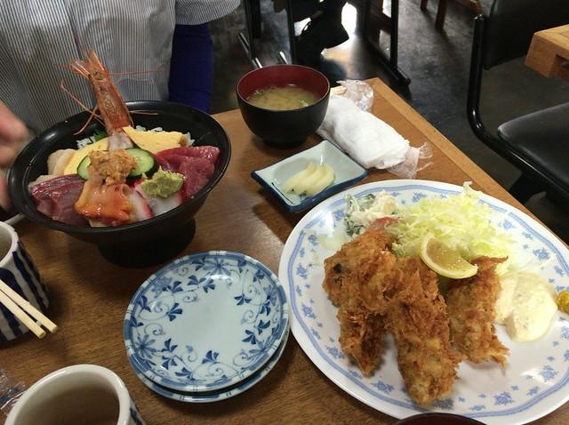 海鮮丼とカキフライ_IMG_2075