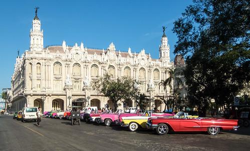 Old American Cars - Gran Teatro - Parque Central - Havana