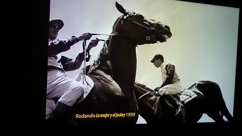 La mujer y el jockey