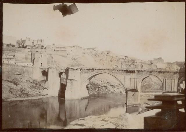 Puente de San Martín en Toledo hacia 1909